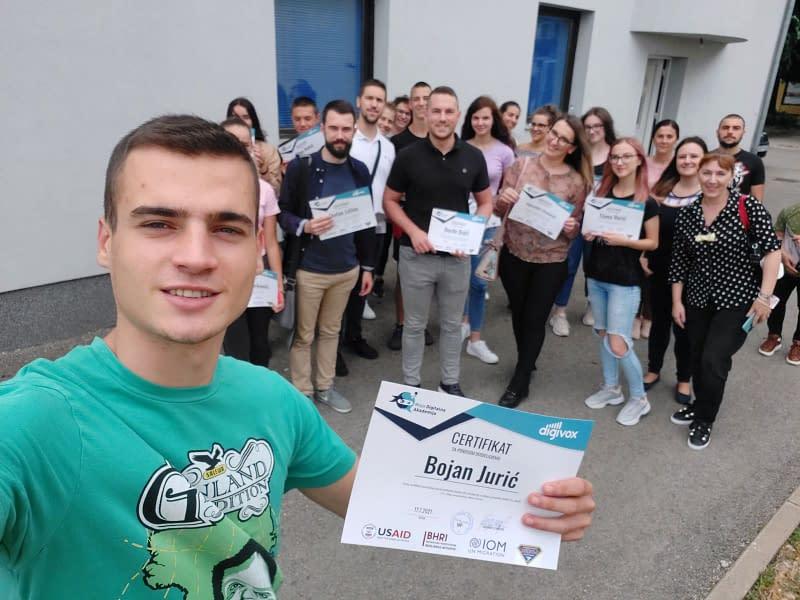 """Projekat """"Nova generacija, novi glasovi"""" i portal Djeluj.ba 3 BHRI 251 1"""