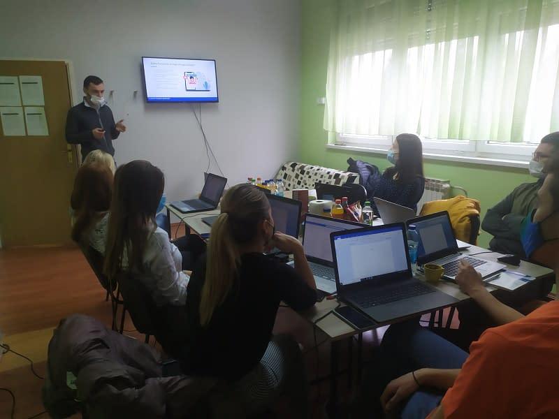 "Projekat ""Laktaši Local Youth Development"" i sajt cdmpl.net 2 CDMPL 1"
